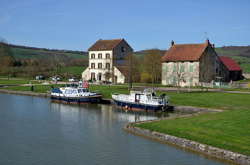 Savourez vos vacances familiales dans un camping 4 étoiles en Bourgogne